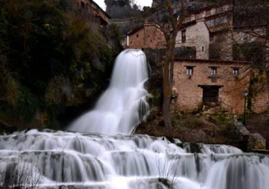 orbaneja-del-castillo-valle-de-sedano